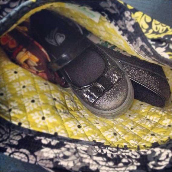 16 hilarious things actually found in mom's purses  shenhuifu